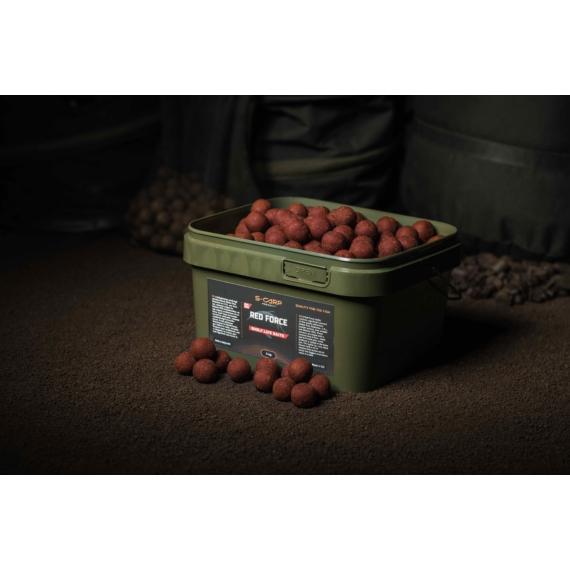 S-Carp Product Red Force Boilie - Red Force vödrös bojli 3 kg
