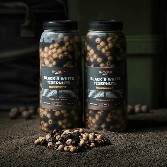 S-Carp Black & White Tigernuts -  főtt tigrismogyoró mix 2,5l